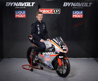 Toller Ansatz und richtiger Schritt. Das deutsche IntactGP Team engagiert sich jetzt auch mit einem Nachwuchsteam im Motorradsport. Matthias Meggle soll dabei der kommende Mann sein.