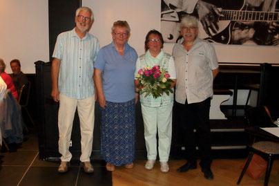 v.l.n.r. C. Sietz (stellvertr. Vorsitzender, I.Sarau (Kreisvorsitzende), R. Fiebig (langjährige Vorsitzende und jetzt Revisorin), A. Guhr (Vorsitzender)