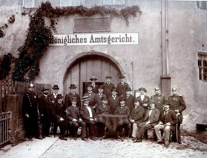 Amtsgericht Radeberg, Personal vor Schloss Klippenstein, um 1920