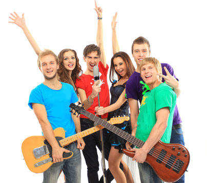 Musikstudio 89, Gitarre, Klavier, Blockflöte, Keyboard, Bass, Schlagzeug, Blasinstrumente, Trompete, Klarinette, Horn, Saxophon, Gesang, Bandcoaching