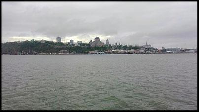 Blick auf Quebec von der Fähre