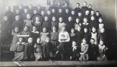 1917 ist Gertrud in Rehburg eingeschult worden.