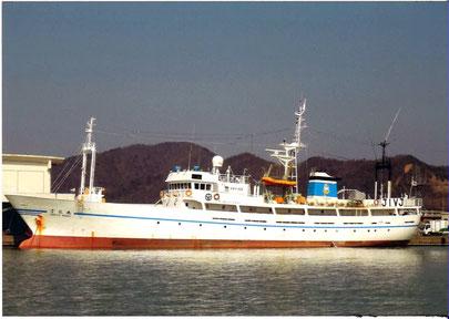 小浜漁港に係留されている雲龍丸