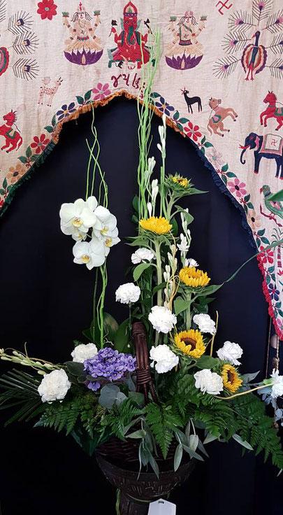 Cesta grande de flores y plantas .Ref CFP050917 PVP 80€