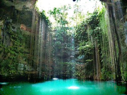 How to Easily Visit the Best Mayan Ruins - Ik-Kil Cenote