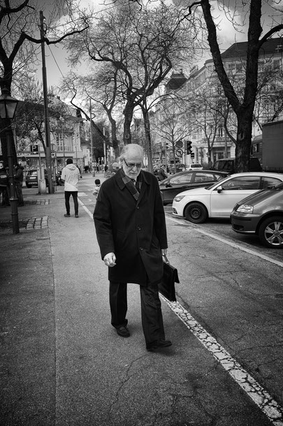 Gerald St. - Foto 7 - Old man on the street