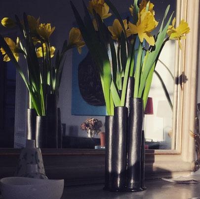 Vase en faënce émaillée noir mat. Brigitte Morel