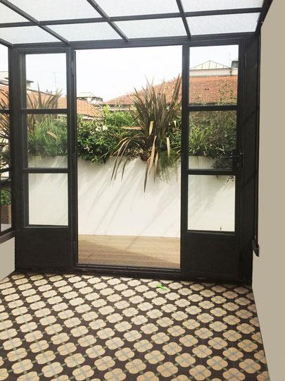 terrazza con piccolo giardino d\'inverno - Garden design e restyling ...