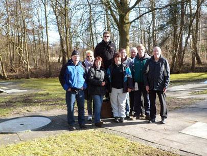 Von links: Wolfgang Michna, Inge Woltmann, Sigrid Michna, Christian Somnitz, Andrea Reinicke, Michael Reinicke, Fritz-Herbert Woltmann, Uwe Lorenz, Frank Reinicike