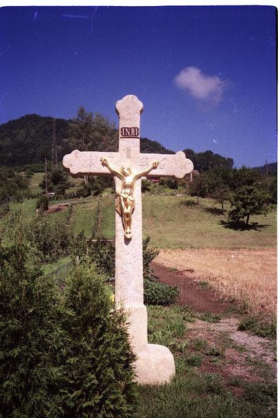 Das Mühlekreuz an seinem alten Standort am Oberen Kirchweg (Foto: Beat Walde, 1988)