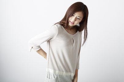 奈良県香芝市の椎間板ヘルニアで真っ直ぐ立てない女性