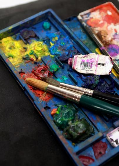 La palette de peinture de voyage de l'artiste Bettina Heinen-Ayech au moment de sa mort en juin 2020