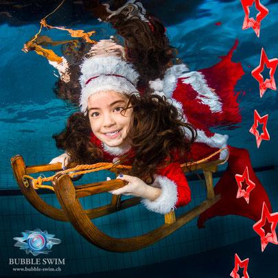Unterwasser Weihnachts-Shooting Aquabasilea mit Bubble Swim