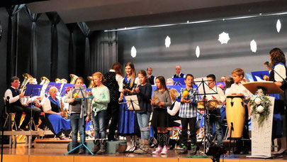 Unsere Jungmusiker bei ihrem ersten öffentlichen Auftritt