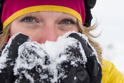 POW Protect Our Winters Daniela Hochmuth Innsbruck Vorchdorf Oberösterreich Tirol Österreich Freeriderin Regionalsport Risk and Fun Saalbach Interview Sportfotos Sportberichte Sportnews Sportnachrichen Klimawandel reduzieren Öko