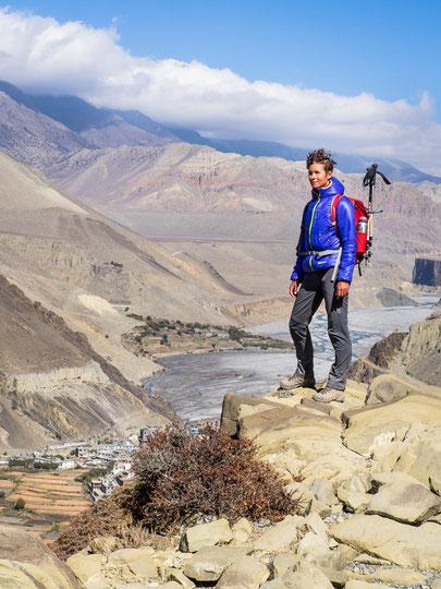 Fantastische Tiefblicke auf den Kali Gandaki und die umliegenden Dörfer