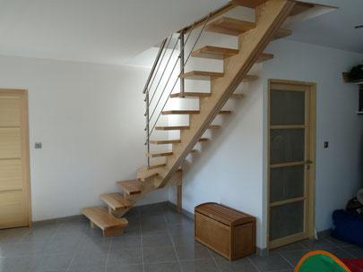 Artisan fabricant d'escaliers sur mesure - Escalier bois, verre et inox.