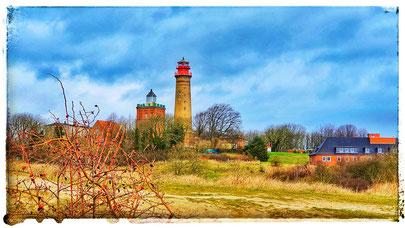 Die Leuchttürme Kap Arkona sind eine der berühmten Sehenswürdigkeiten Rügens. Daneben sind der Marinepeilturm am slawischen Burgwall, die 3 Bunkeranlagen und zahlreiche Kunstgalerien und Töpfereien sehenswert.