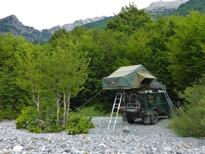 Tembo 4x4 rooftop tent in Albania