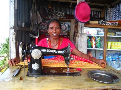 Nepalische Näherin