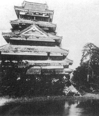 Le donjon (tenshu) en 1904