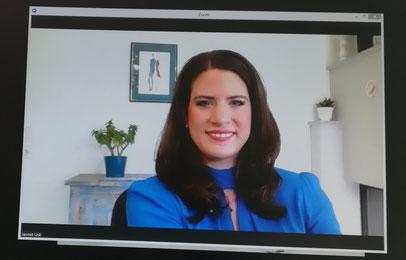 """""""So bleiben Online-Konferenzen auch aus dem Home-Office professionell"""" TV Beitrag mit Jasmin Link Stilberatung"""