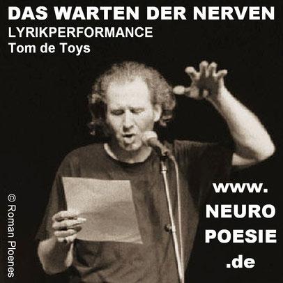 De Toys 21.3.2010 @ ZAKK (Düsseldorf) rezitiert VOGT (c) by Roman Ploenes