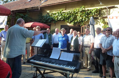beim Sängerheurigen in Kottingbrunn
