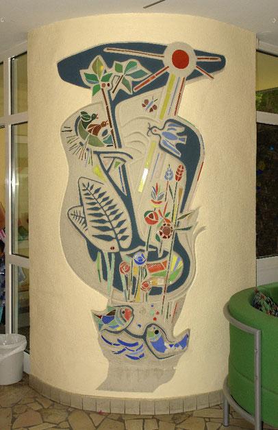 Sgraffitto mit Mosaikelementen, Kindergarten St. Josef, Leverkusen, 1956