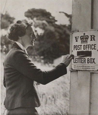 Posting a letter 1940, Whatipu, New Zealand.