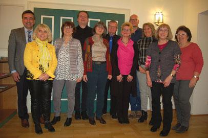 Der neu gewählte Vorstand der Sängerfreunde Leerstetten mit ihrem neuen Chorleiter Timm Wisura