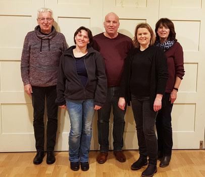 Bild: (v.l.n.r.) Karl Künkele, Elke Bussinger, Harald Sperber, Christine Hönig, Petra Sperberder Jahresversammlung der Sängerfreunde Leerstetten