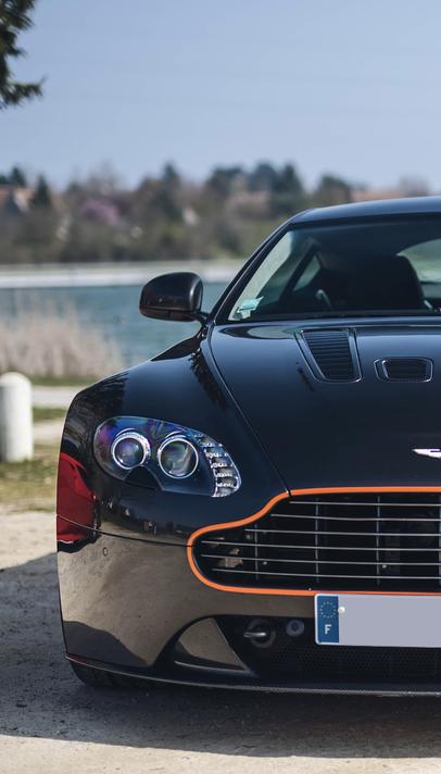 Tours Prestige Cars Aston Martin V12 Vantage 2