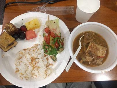 5月31日(金)日本ムスリム協会でのイフタールはアラブ系の食事(牛すね肉とオクラのシチューなど)
