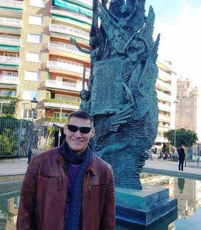 Памятники и скултьптуры Барселоны - Пау Казальс