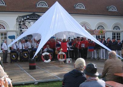 Eutiner Stadtfest mit den Shantychören Eutiner Wind, blau weiße Jungs aus Ahrensbök und Albatros aus Kiel-Kroog am 18. August 2013