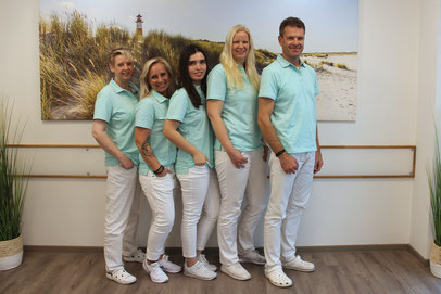 Unser Team - Zahnarztpraxis & Implantologie Dr. med. dent. Malte Uhrigshardt Tornesch im Kreis Pinneberg