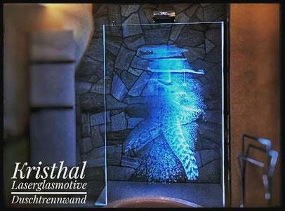 Lasermotiv Duschtrennwand mit LED Glasbeleuchtung