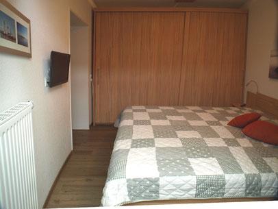 Das Schlafzimmer in der unteren Etage