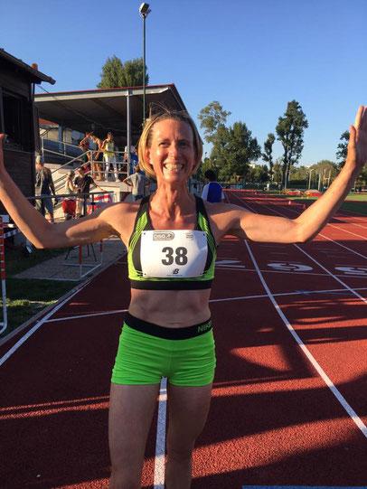 Elisabeth Pöltner-Holkovic nach dem tollen 1000m-Rennen (Foto: Tanja Bauer)