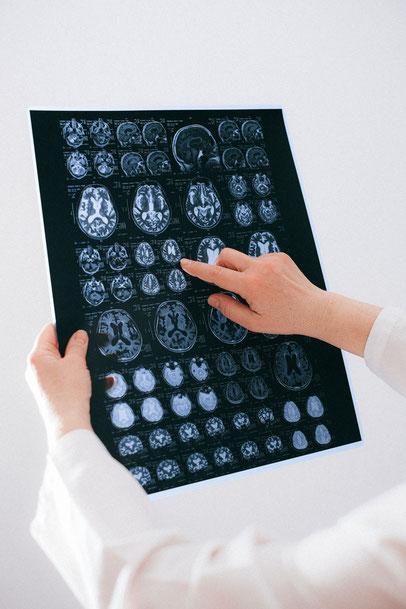 clinic krankenhaus doctor freiburg eeg arzt medizin patient rettung menschen leben emotionen digitalisierung digitalisieren digital technologien technologie technology science