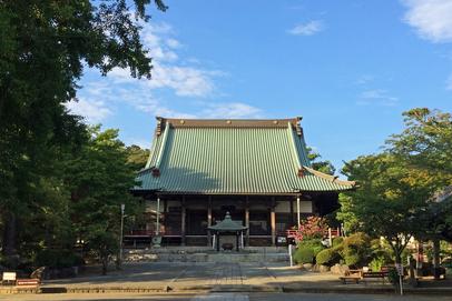 夏の終わりの遊行寺。国宝や重要文化財も所在する