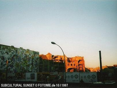 SUBCULTURAL SUNSET (c) De Toys, 10 / 1997