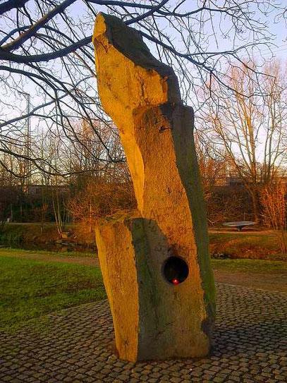 FELSSKULPTUR (c) De Toys, 15.1.2012 @ Volksgarten (Ddorf)