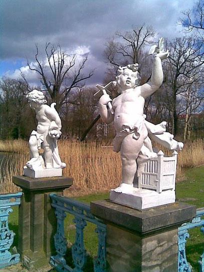 ANCIENT SECOND (c) De Toys, 1.4.2010 @ Charlottenburger Schlosspark