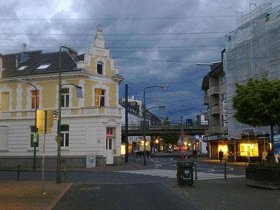 IN ELLER STÜRMT ES SCHNELLER (c) De Toys, 10.5.2012 @ Gertrudisplatz (Düsseldorf)