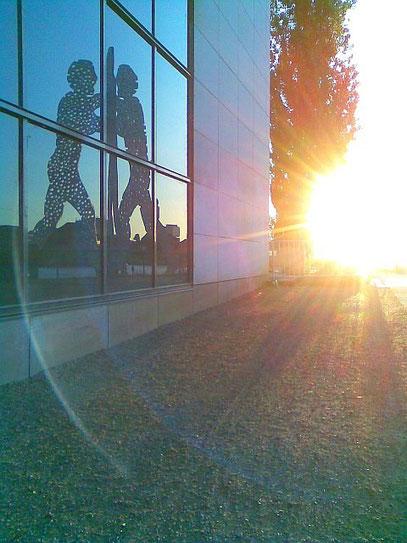 SUNSET MOLECULES (c) De Toys, 15.6.2010 (20.47h) @ Treptower Park, BERLIN