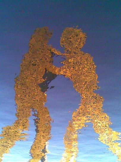 "QUANTANZen (c) De Toys, 20.11.2009 @ Skulptur ""MOLECULE MAN"" (Berlin)"