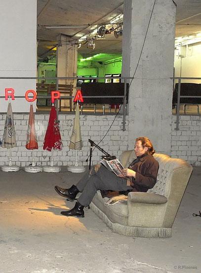 Opening Speech: De Toys LIVE @ Noordkaap Köln 3.2.2012 (c) FOTO: Roman Ploenes