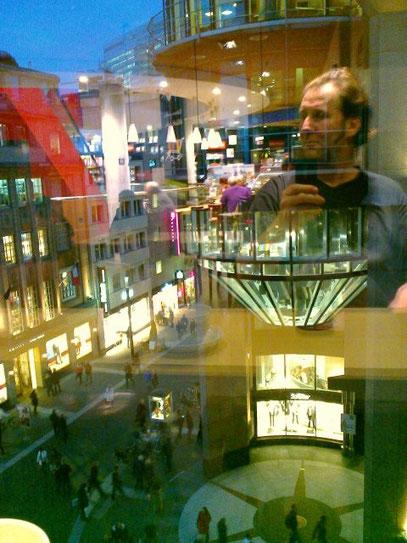 SELFIE (c) De Toys, 16.1.2015 @ Mayersche Buchhandlung (Schadowstraße, Ddorf)